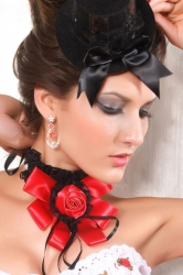 Red Queen Lace Gothic Collar