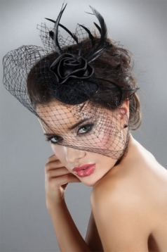 Mysterious Lace Corsetti Hat Net Feathers