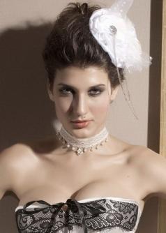 Vitoria Style White Lace Hair Clip White Polyester