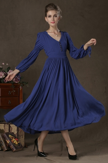 Pleated maxi dress with sleeves